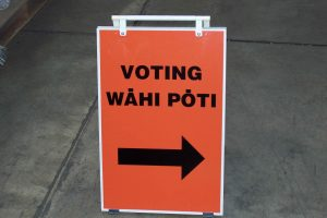 voting-signage-electoral-commission-attribution-photo